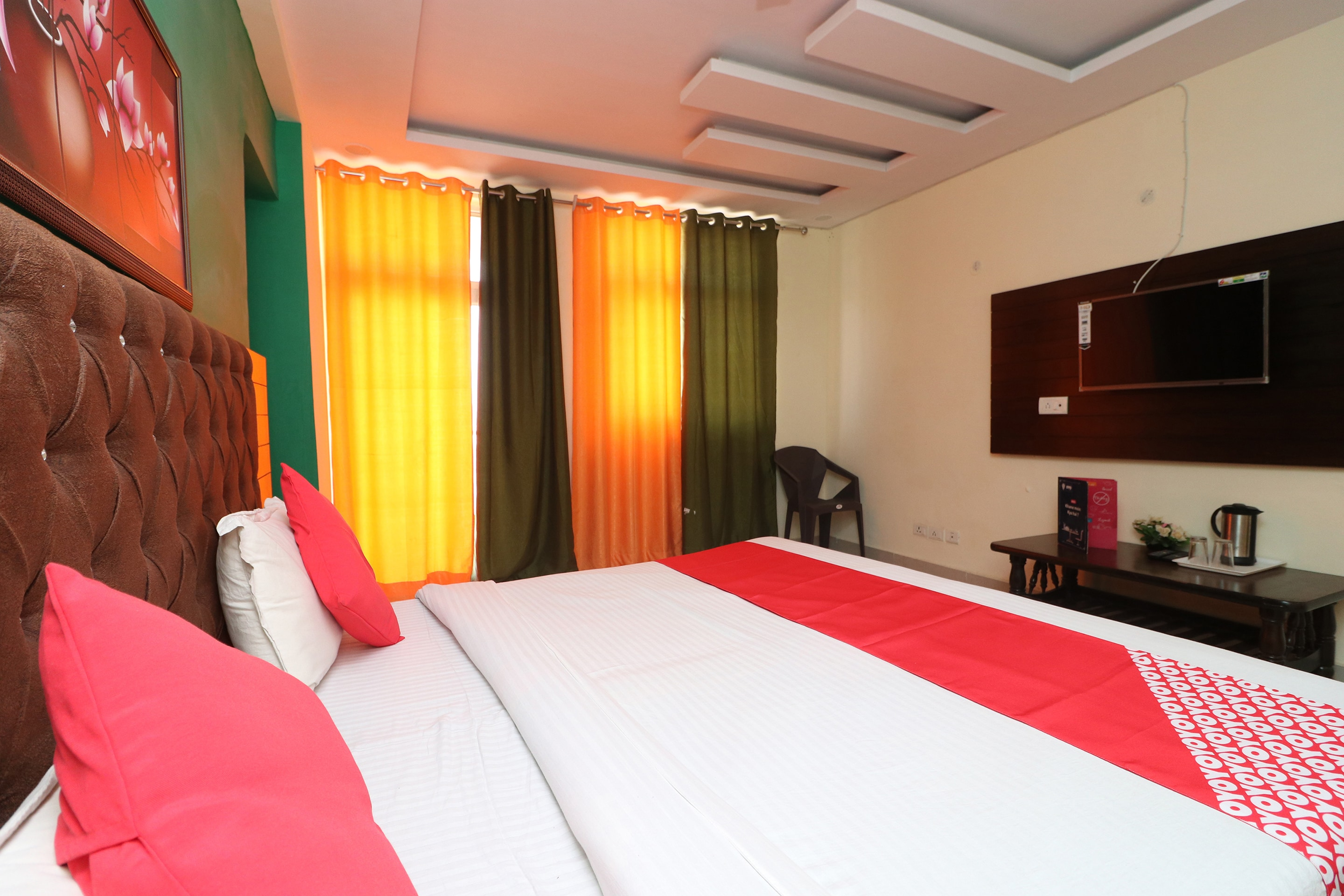 Hotel Gallarey OYO 26869 Taj View Pent House