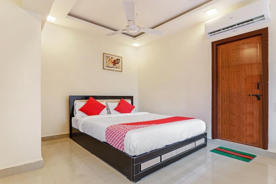 OYO 26872 Hotel Hindustan