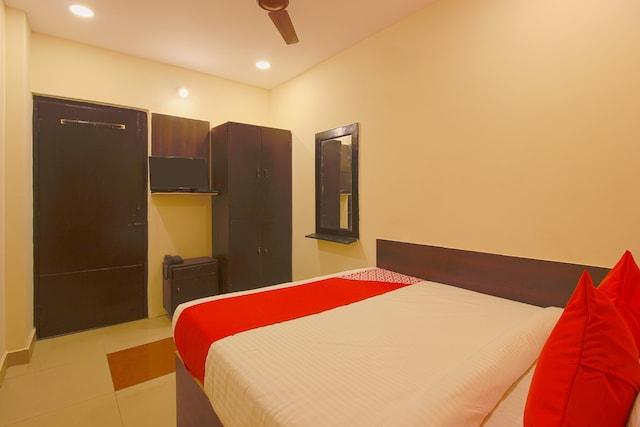 OYO 26883 Vasundhara Guest House Saver