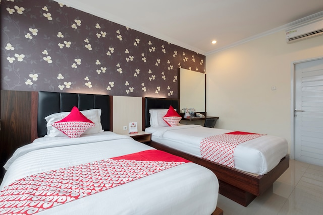 OYO 308 Grand Pacifik Hotel