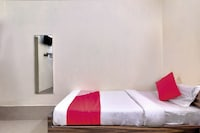 OYO 26908 Hotel Prakash Saver