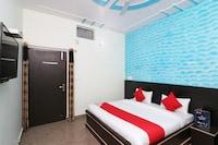 OYO 26920 Dev Hotel