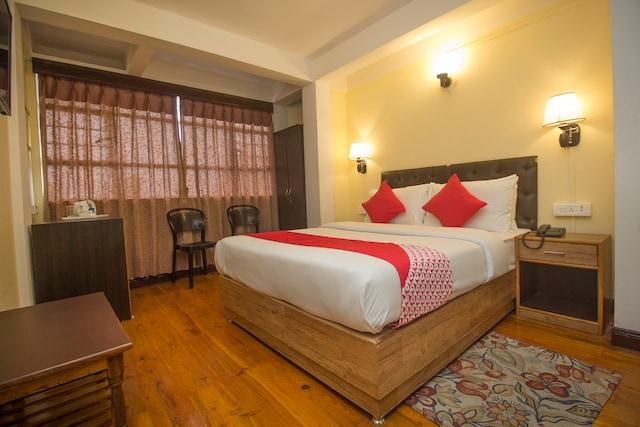 OYO 26973 Hotel Maple Leaf