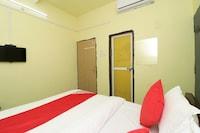 OYO 27004 Hotel Om Sai Plaza Saver