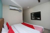 OYO 27016 Hotel Sai Siddhi
