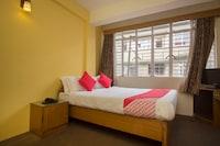 OYO 27025 Hotel Pine Crest