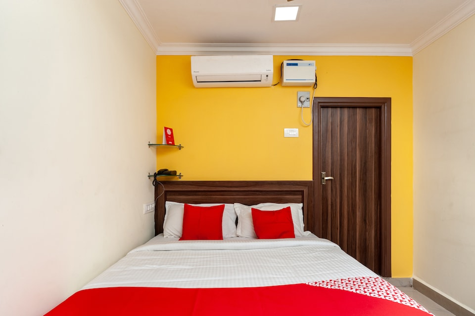 OYO 27038 Anandha Rooms