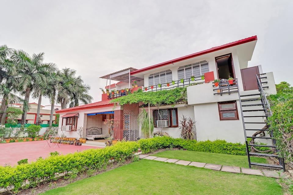 OYO Home 27040 Classic Stay Dehradun