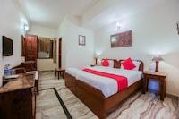 OYO 27041 Hotel Luna Rosa