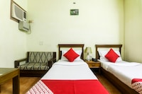 OYO 27059 Hotel Grand City Saver