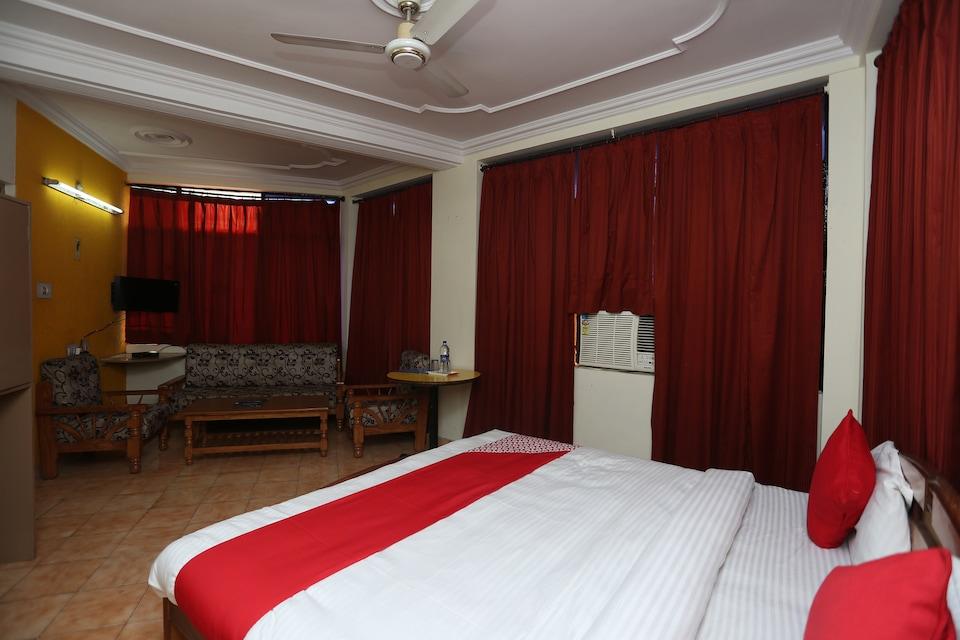 OYO 27615 Ss Hotel International