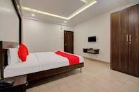 OYO 27634 Hotel Radhika Deluxe Deluxe