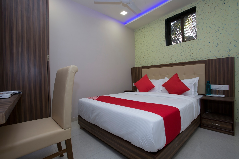 OYO 27640 Hotel Blue Sapphire Residency -1
