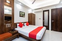 OYO 27658 Hotel New Mohit Regency