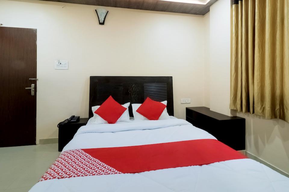 OYO 27659 Hotel Focus Elite
