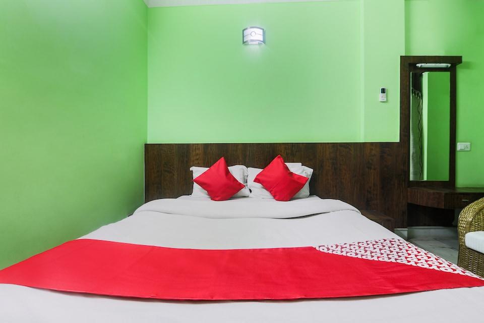 OYO 27675 Hotel Am Palace