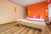 OYO 27709 Hotel Red Cherry