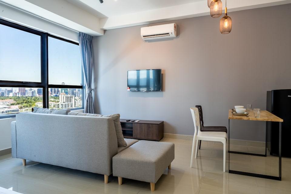 OYO Home 627 Premium 1BR Arte Plus