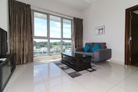 OYO Home 629 Lavish 1BR Regalia Suites
