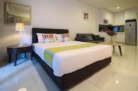 OYO Home 632 Elegant 1BR Studio Summer Suites