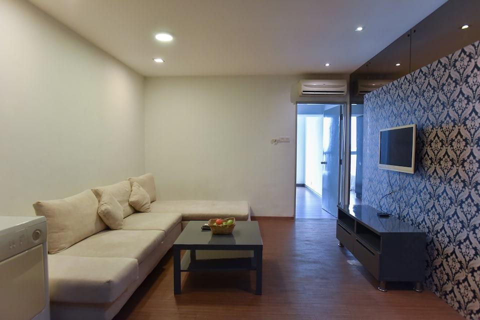 OYO Home 634 Lavish 1BR Near Berjaya Times Square