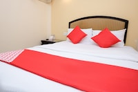 OYO 635 Seven Days Hotel