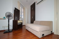 OYO Home 636 Premium 1BR Holiday Place Residence