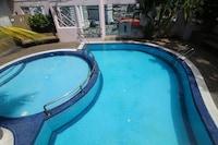 OYO Home 645 Premium 2BR Casa Mutiara
