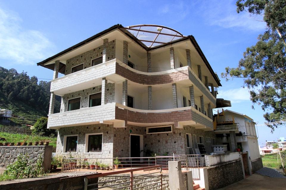 OYO 27770 Santhi Ayurveda Resort
