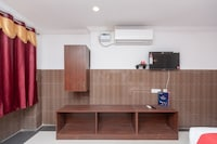 Capital O 27775 Hotel Srinivasa Residency