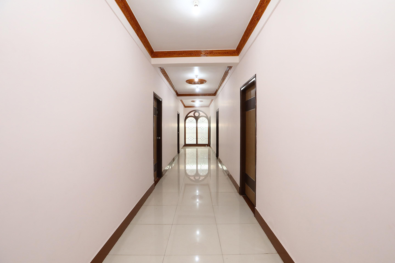 OYO 27782 Hosamane Lodge