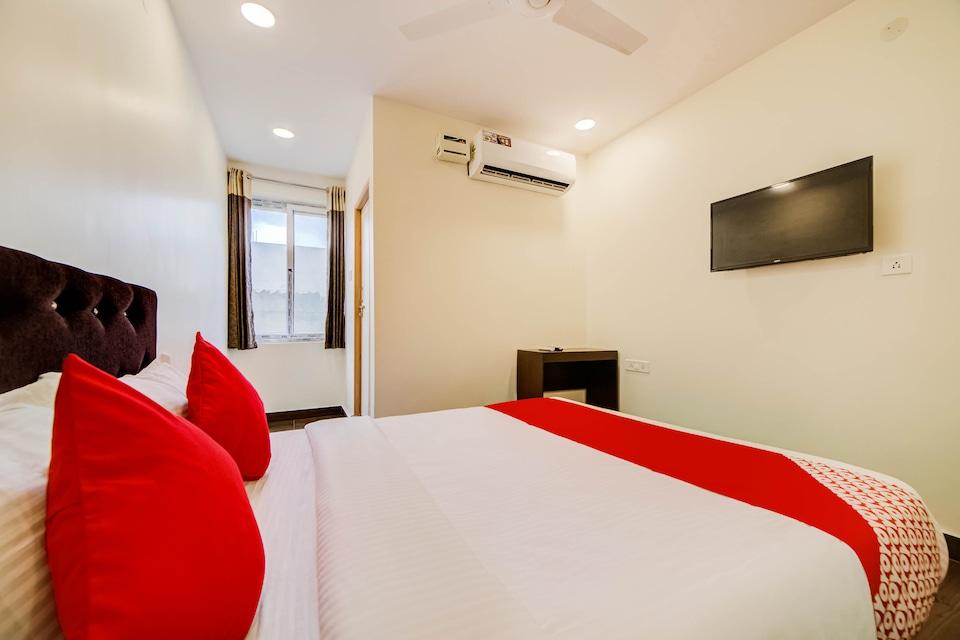 OYO 27844 Seven A Luxury Hotel