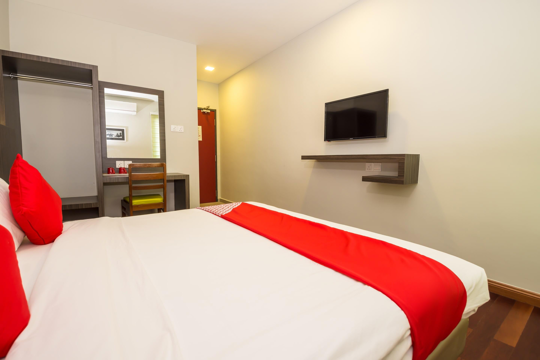 OYO 663 Trevor Hotel