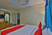 OYO 27897 Hotel The Grand Bansi Suite