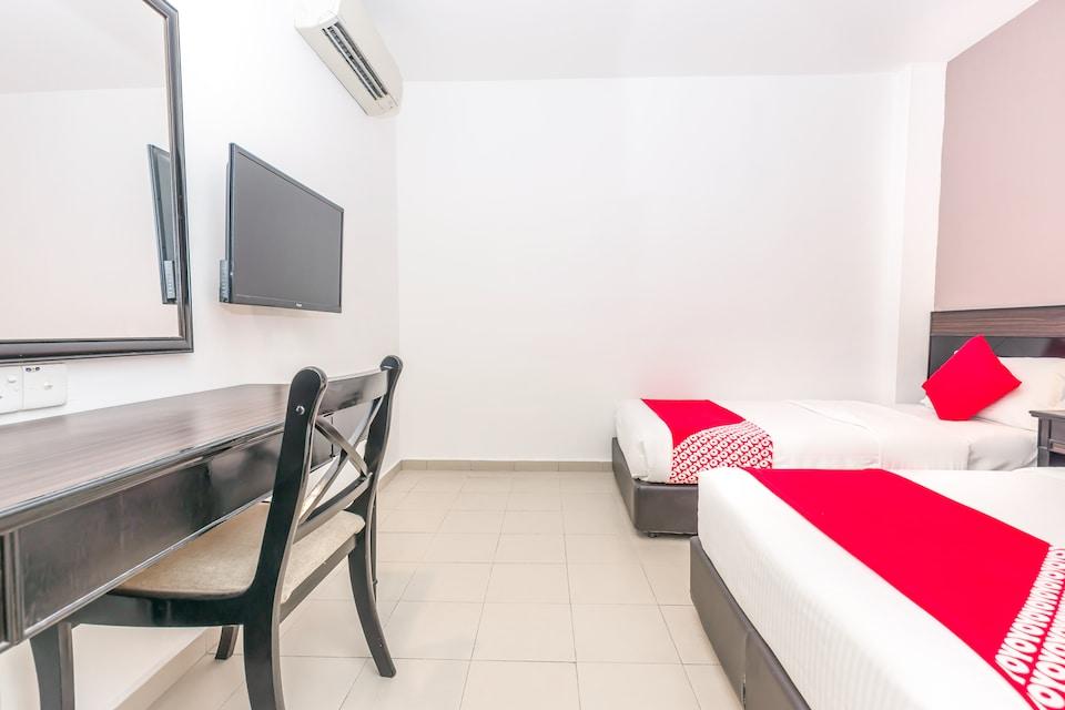 OYO 667 Semabok Inn