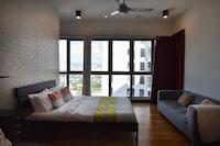 OYO Home 672 Elegant 1BR Regalia Residence