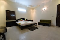OYO Home 27966 Elegant Stay Near Giani's