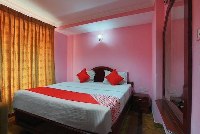 OYO 27975 Hotel Gangothri Sunrise