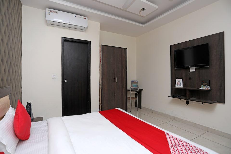 OYO 28017 Hotel Olive, Faridabad, Faridabad