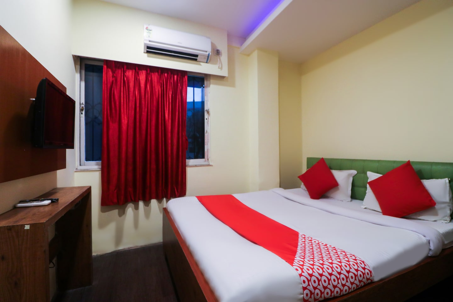 OYO 3298 Royal Guest House -1