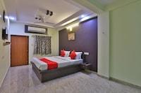 OYO 28024 Hotel Royal Palace