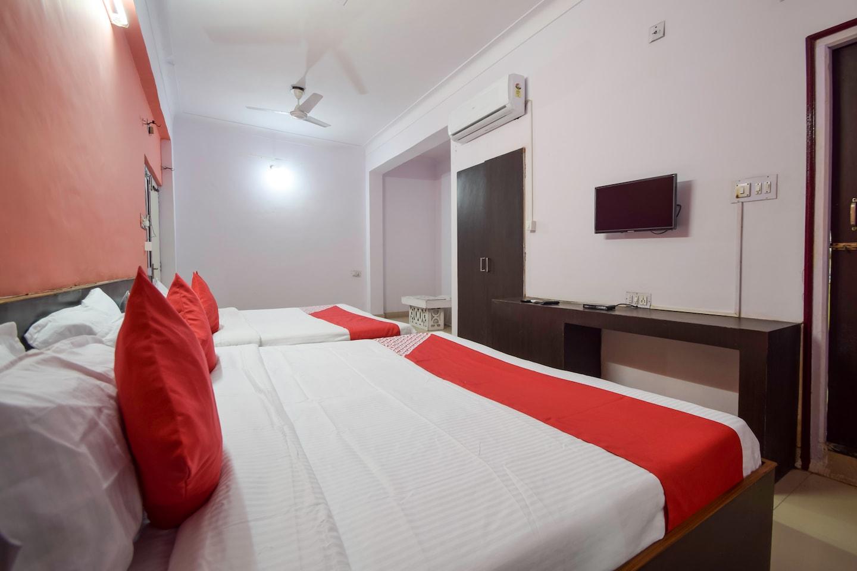 OYO 28025 Hotel Chanakya -1