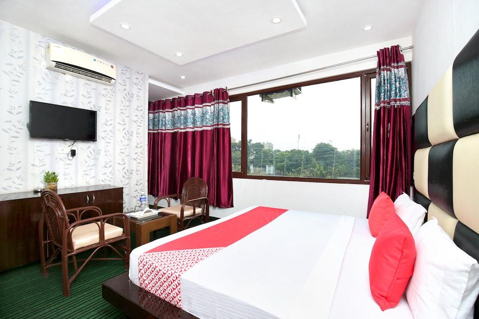 OYO 28042 Hotel Panchkula Inn
