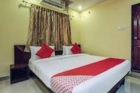 OYO 28047 Hotel Galaxy Residency