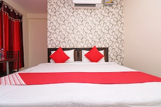Couple Hotels in Varanasi | Couple Friendly Hotel | Starting @ ₹409