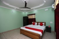 OYO 28078 Golden Villa Guest House
