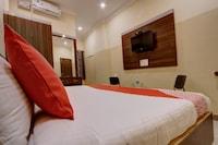 OYO 28094 Rathneshwari Residency