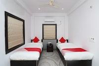 OYO 28112 Hotel Hari Gopal