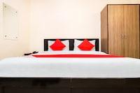 OYO 28126 Charanpahari Hotel