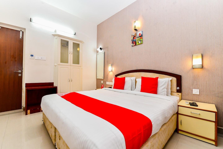 OYO 28129 Hotel Mjm International -1